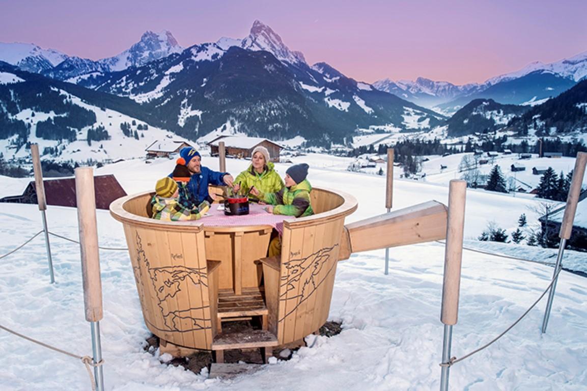 """تعاون بين """"متزلجي الإمارات"""" و""""السياحة السويسرية"""" للمشاركة بالألعاب الأولمبية الشتوية"""