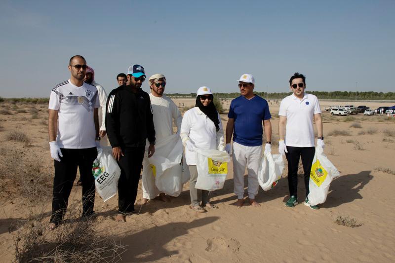 """حملة """"نظفوا الإمارات"""" تجمع 12.5 طن نفايات في دبي"""