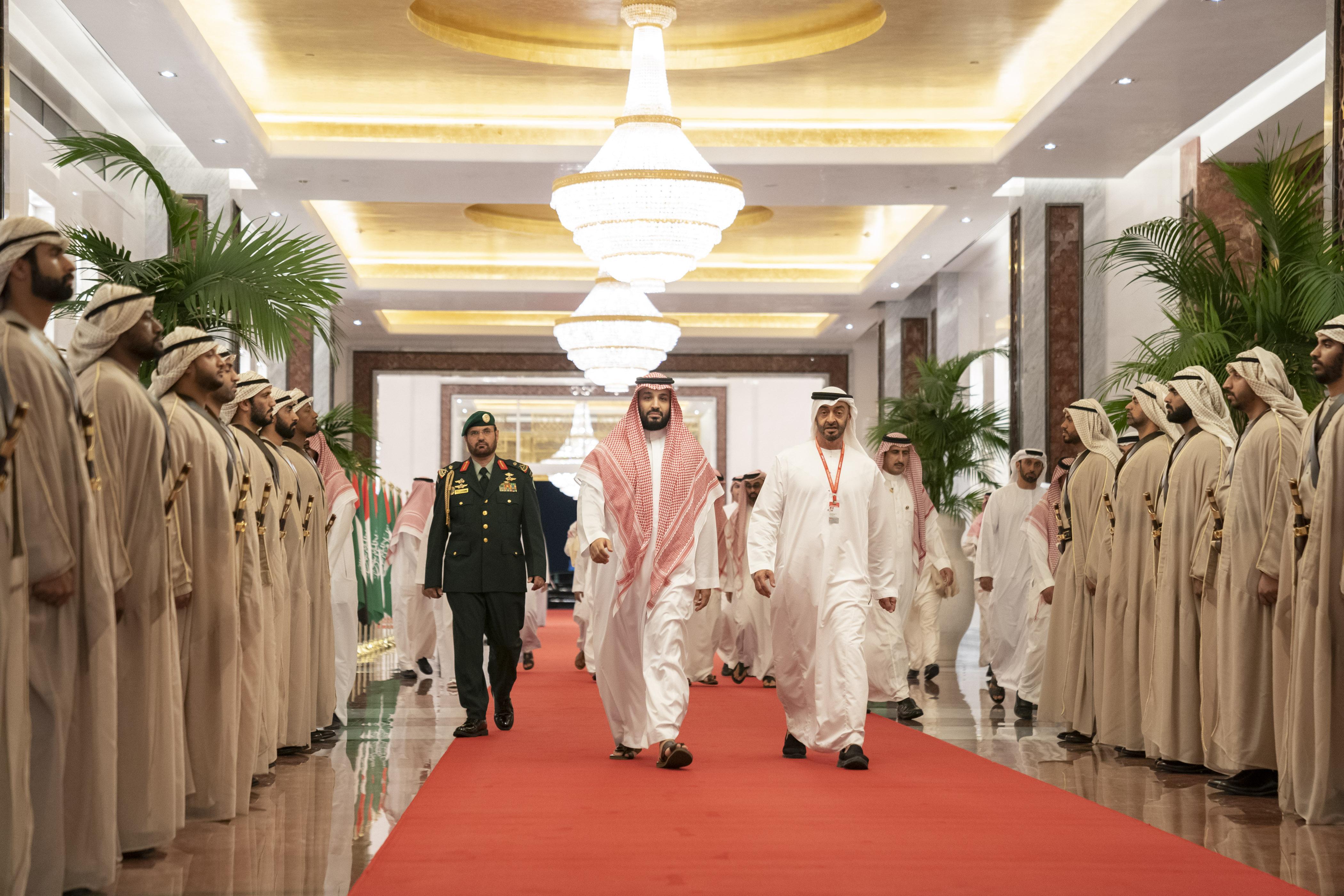 محمد بن سلمان يغادر البلاد