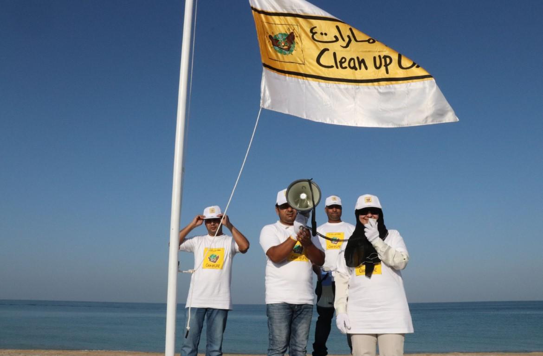 """حملة """"نظفوا الإمارات"""" تصل أم القيوين محطتها الثانية"""