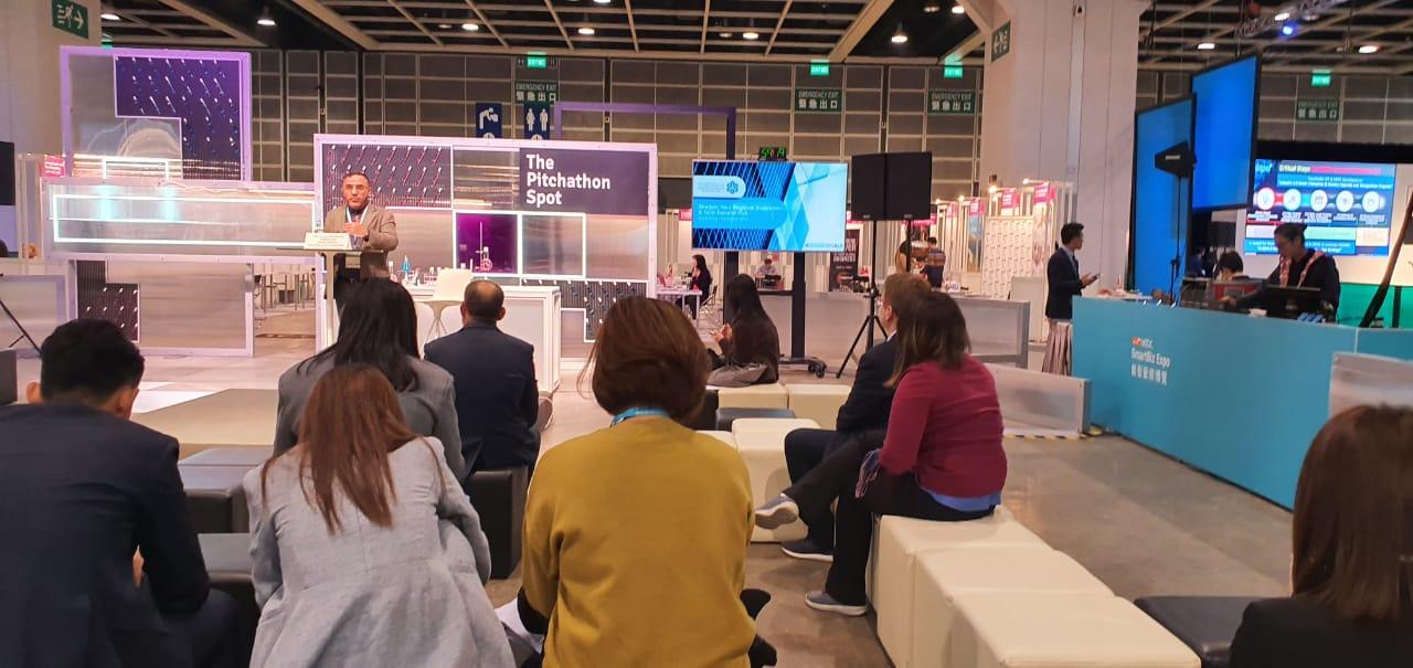 """"""" مجمع الشارقة للابتكار """" يشارك بمعرض هونغ كونغ العالمي للأعمال الذكية"""