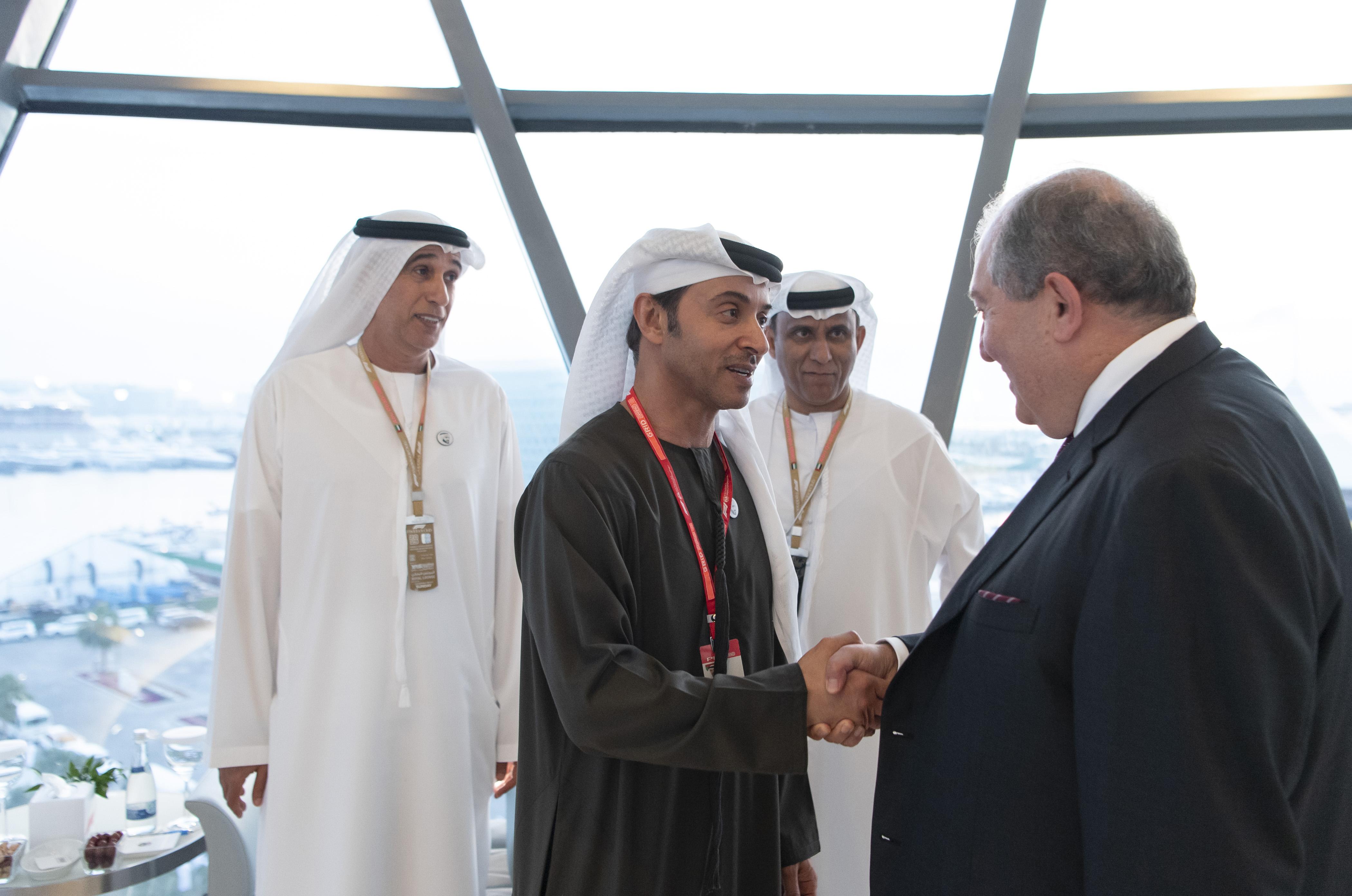 هزاع بن زايد يلتقي رئيس أرمينيا
