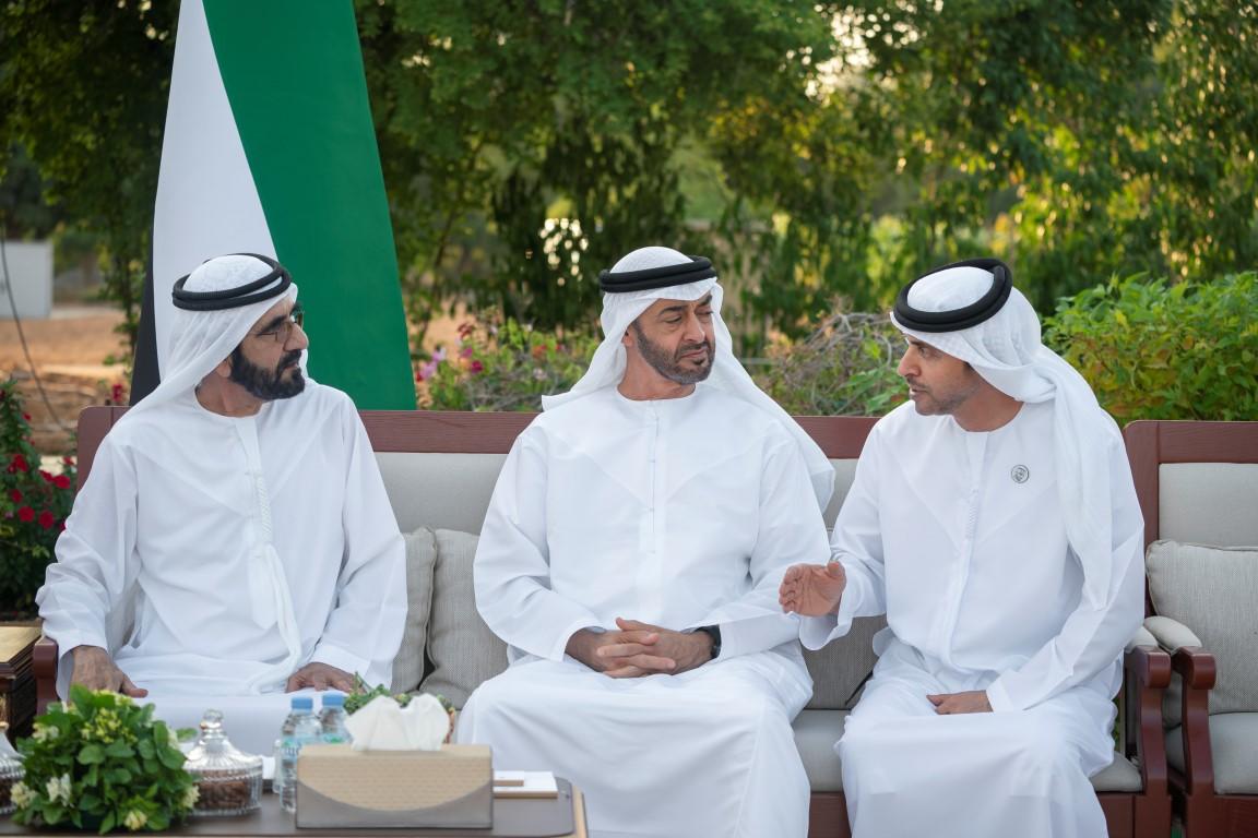 محمد بن راشد يلتقي محمد بن زايد ويتبادلان الأحاديث حول القضايا التي تهم الوطن والمواطن
