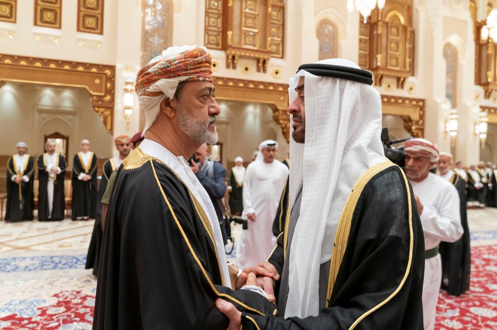محمد بن زايد يعزي سلطان عمان بوفاة قابوس بن سعيد