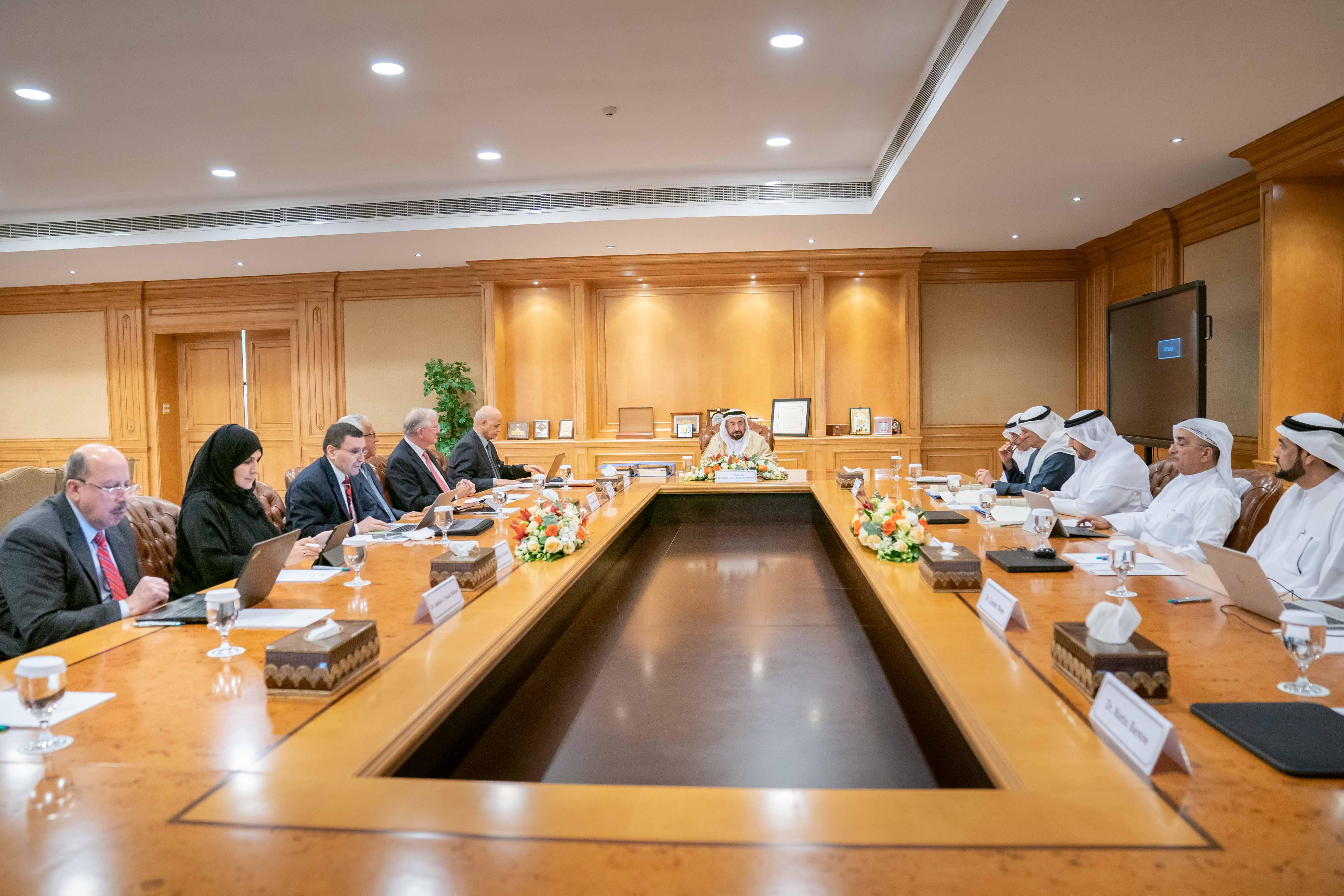 سلطان القاسمي يرأس اجتماع مجلس أمناء جامعة الشارقة