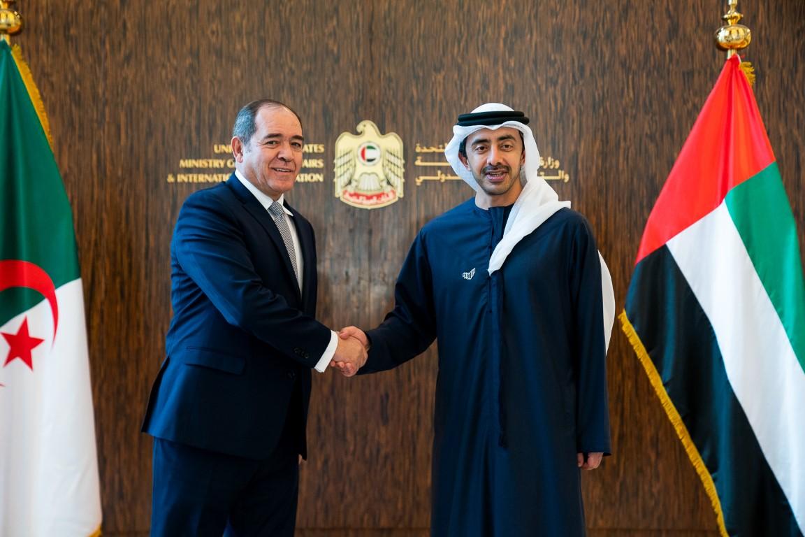 عبدالله بن زايد يستقبل وزير الشؤون الخارجية الجزائري