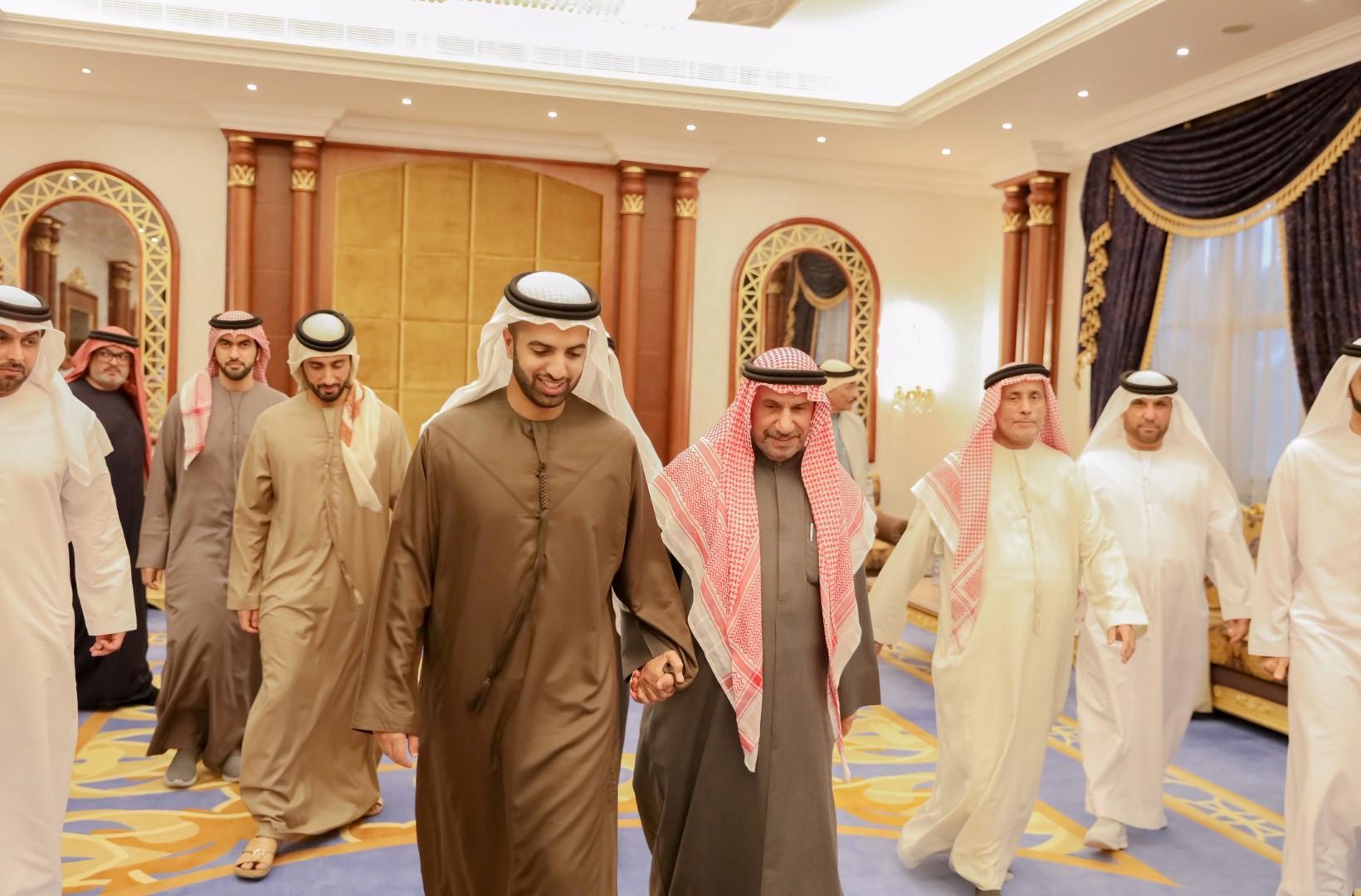 حاكم رأس الخيمة و ولي عهده يعزيان في وفاة عائشة محمد الزعابي