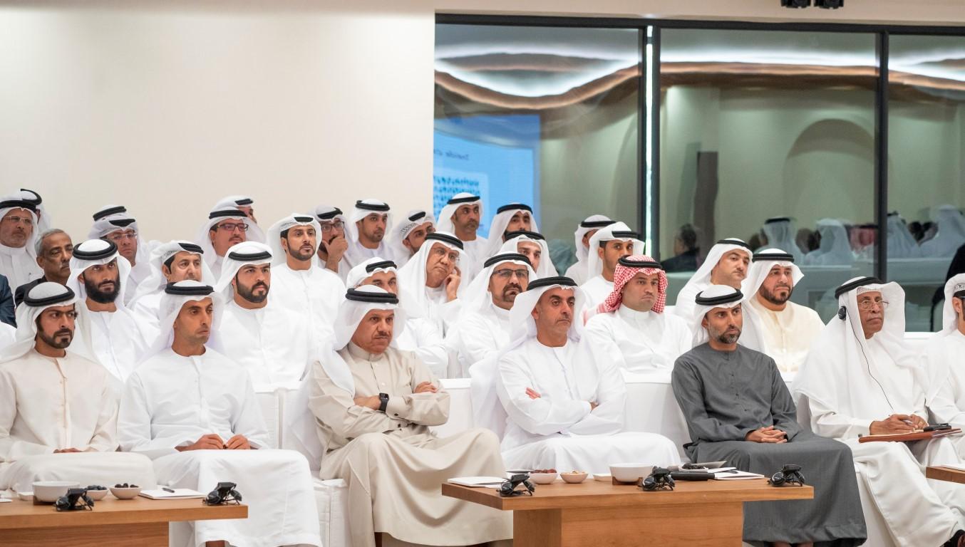 """مجلس محمد بن زايد يستضيف محاضرة """"الحالة الرابعة للماء"""""""