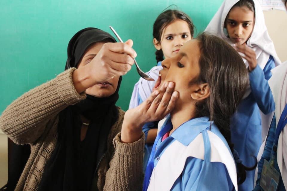 dubai cares joins pakistani government's efforts to combat intestinal worms among children 2