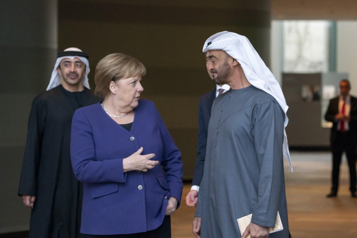 محمد بن زايد والمستشارة الألمانية يبحثان في برلين علاقات البلدين والتطورات الإقليمية