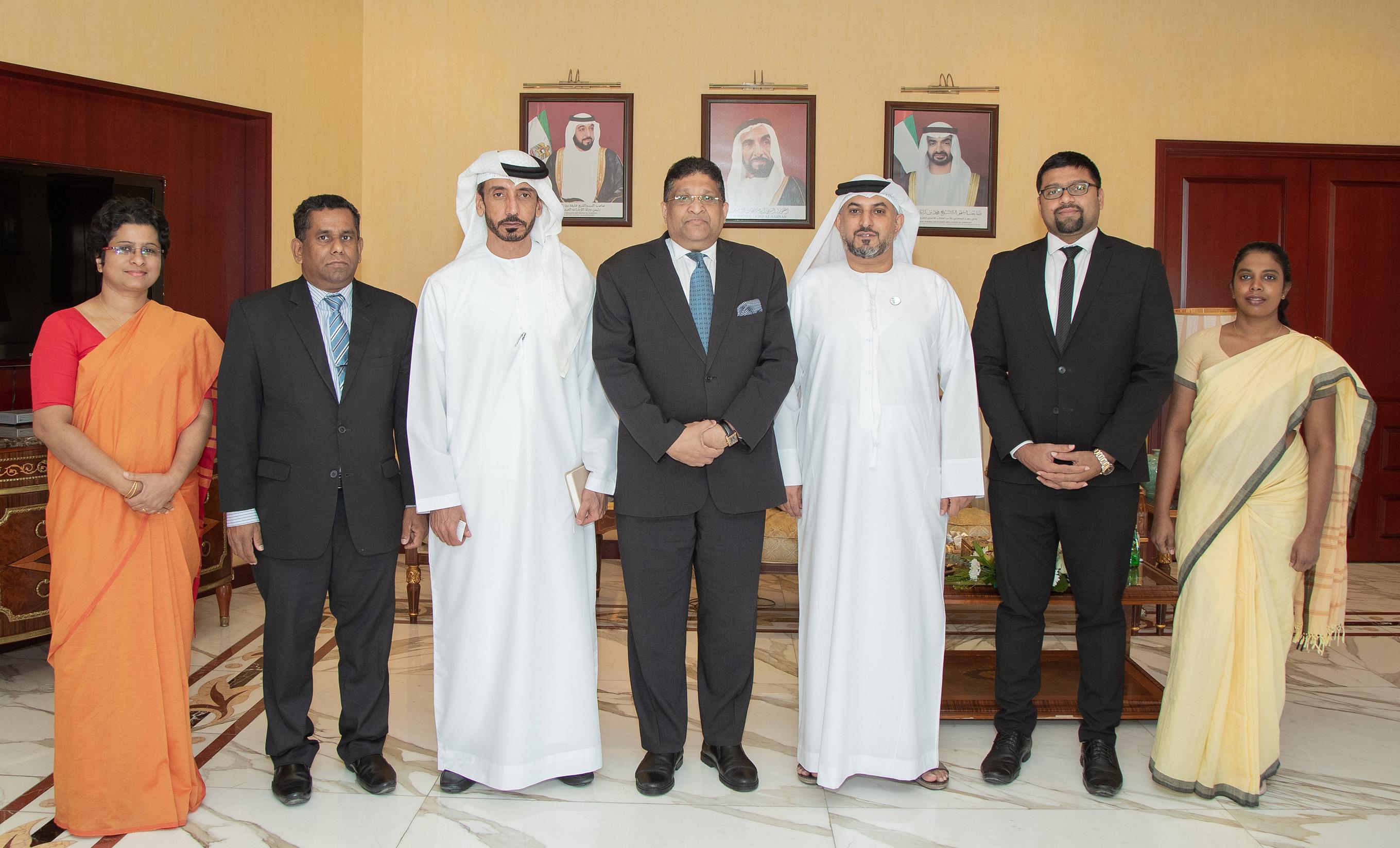غرفة أبوظبي تبحث فرص التعاون الاقتصادي مع سريلانكا