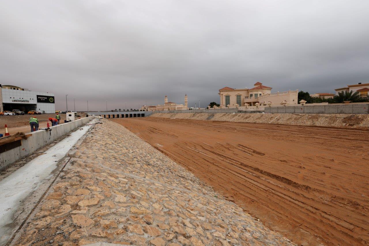 """مساندة و""""بلدية العين"""" تنفذان مشروعا لتصريف مياه السيول في 3 أودية بـ 119.3 مليون درهم"""