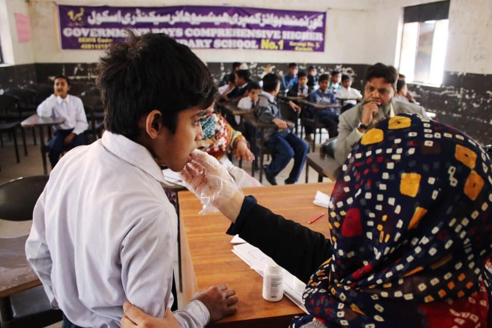 dubai cares joins pakistani government's efforts to combat intestinal worms among children 3