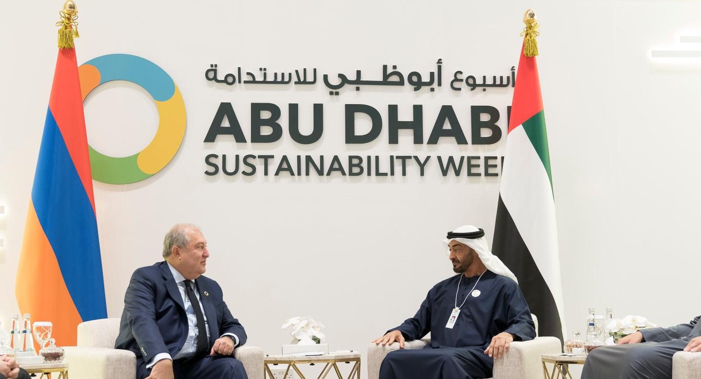 محمد بن زايد يلتقي عددا من رؤساء الدول المشاركين في اسبوع أبوظبي للاستدامة