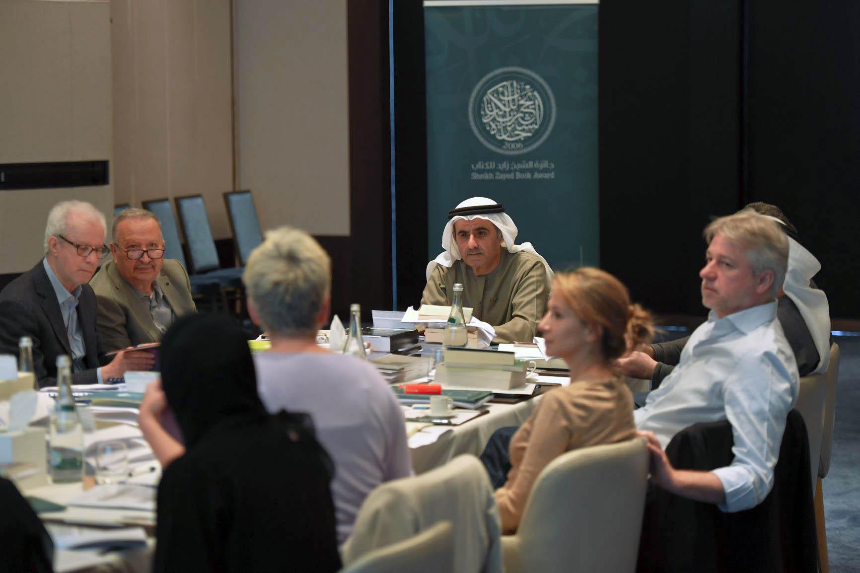 اعتماد القوائم القصيرة للدورة الرابعة عشرة لجائزة الشيخ زايد للكتاب
