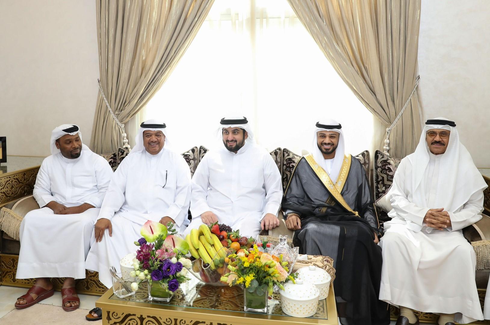 أحمد بن محمد يحضر أفراح لاغر والمهيري في دبي
