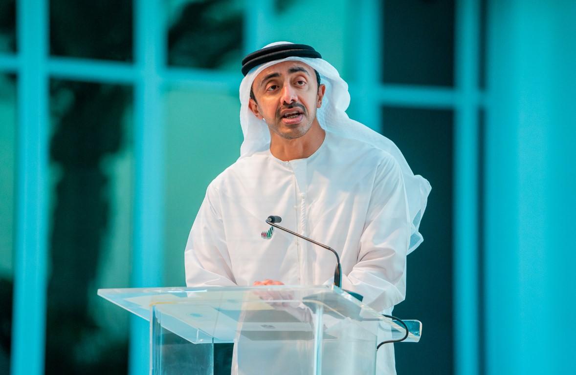 """عبدالله بن زايد يشهد الاحتفال بالذكرى الأولى لتوقيع """"وثيقة الأخوة الإنسانية"""" التاريخية"""