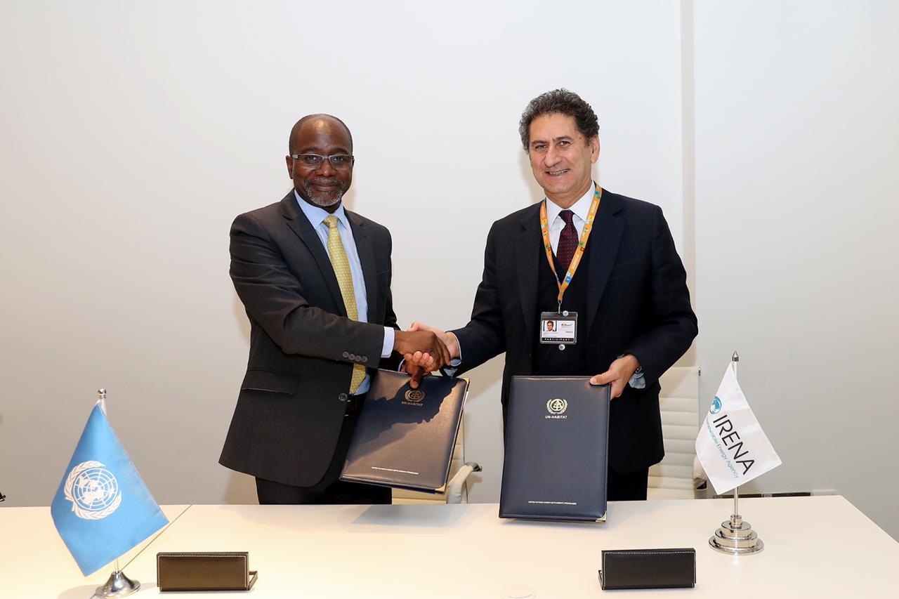 """موئل الأمم المتحدة و""""آيرينا"""" يتفقان على نشر التحول للطاقة المتجددة"""