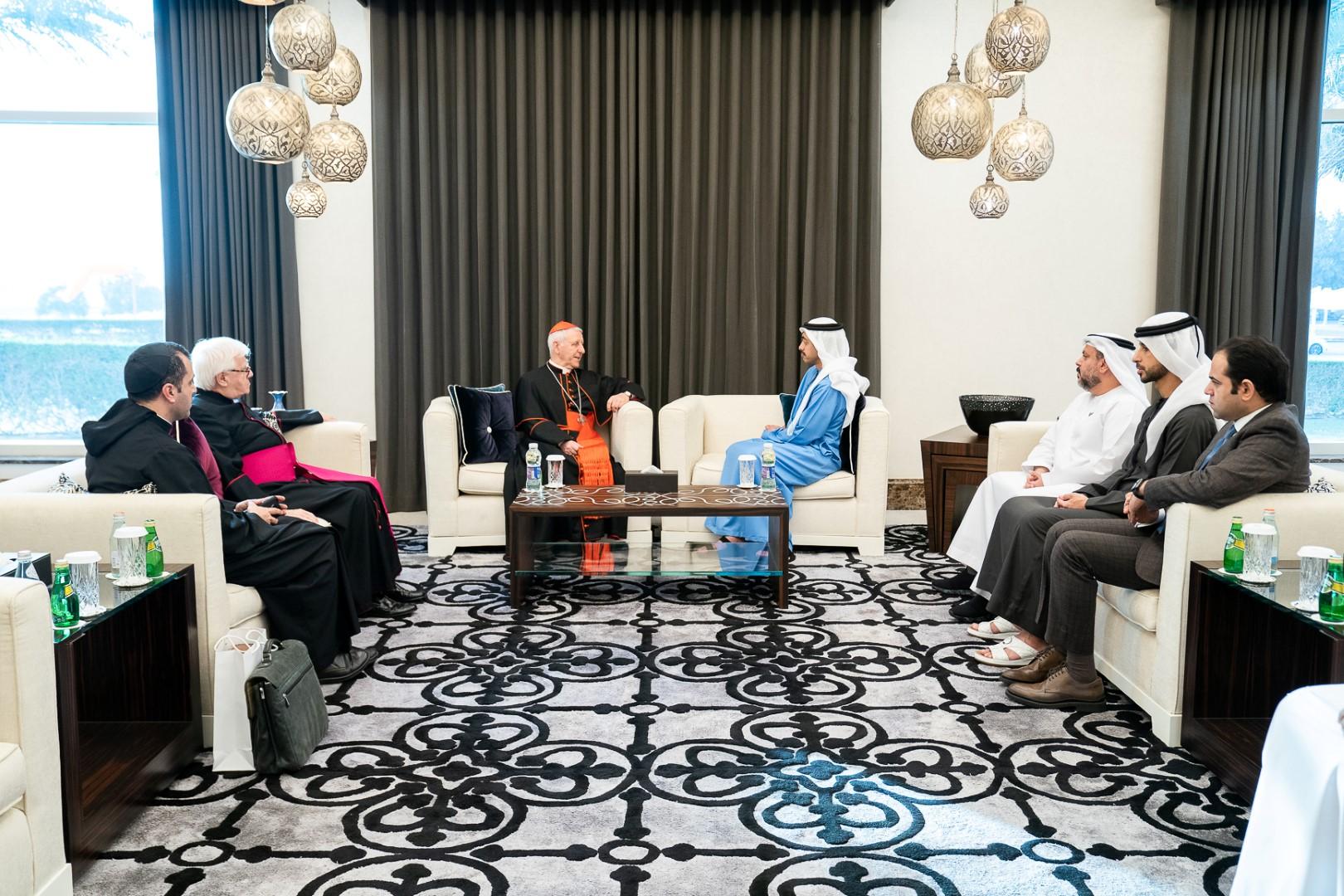 عبدالله بن زايد يستقبل عميد مجمع التربية الكاثوليكية رئيس مؤسسة جرافيزيميوم للتعليم