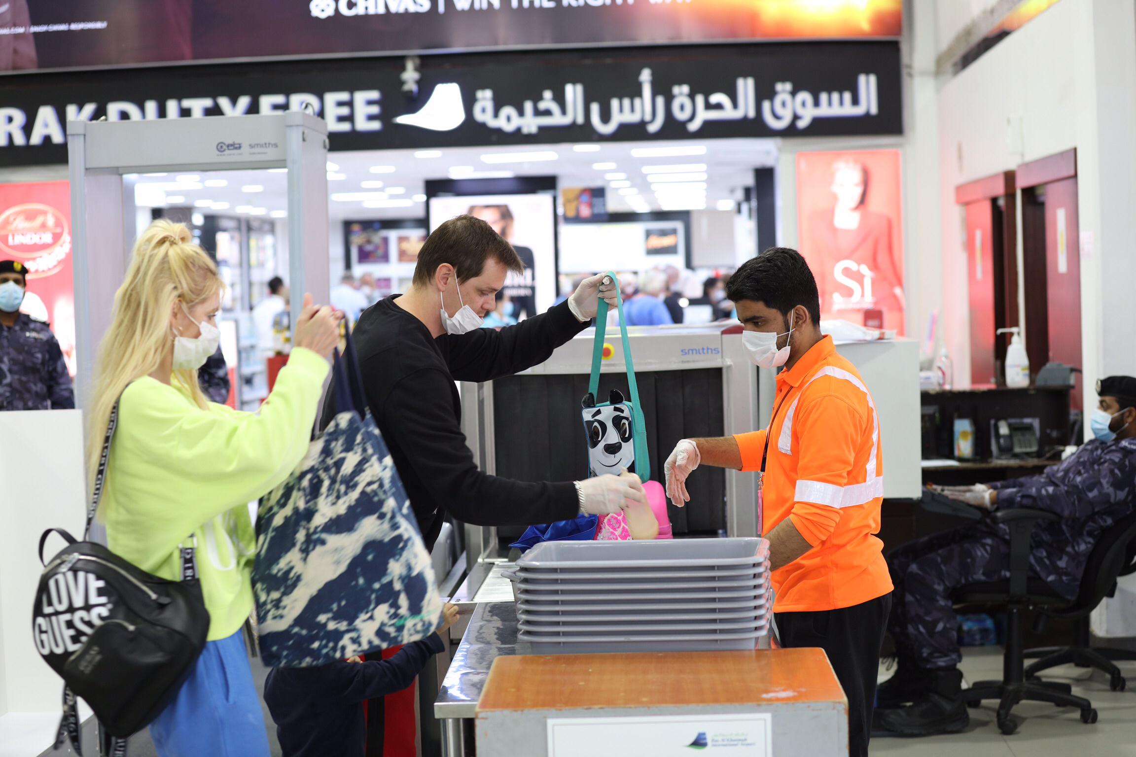 بالتنسيق بين حكومتي الإمارات وألمانيا .. إعادة مئات السياح الألمان لبلادهم عبر مطار رأس الخيمة الدولي