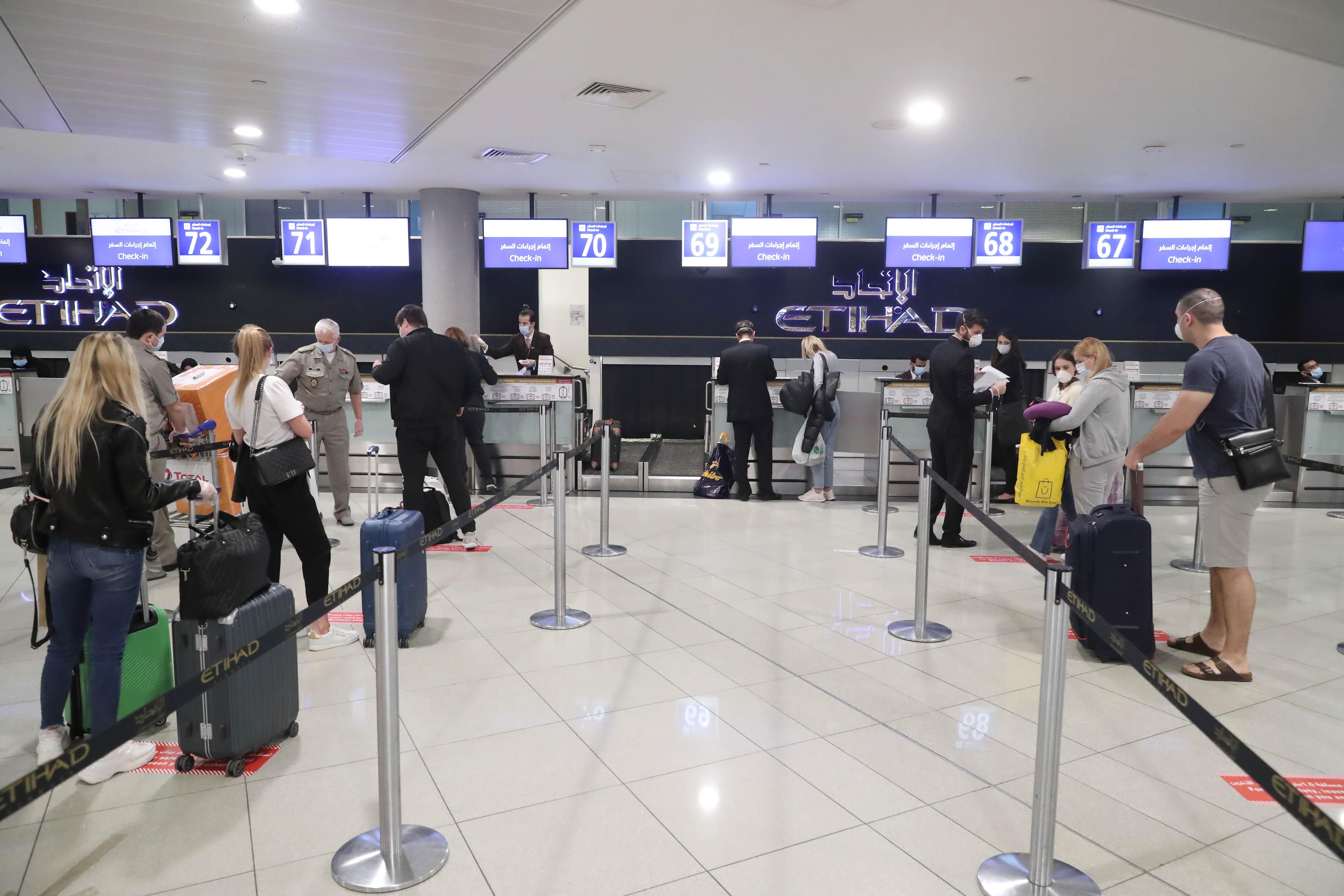 الإمارات ترسل طائرة مساعدات لأوكرانيا دعما لجهودها للحد من انتشار فيروس كورونا.. و تعيد مواطنين أوكرانيين إلى بلادهم