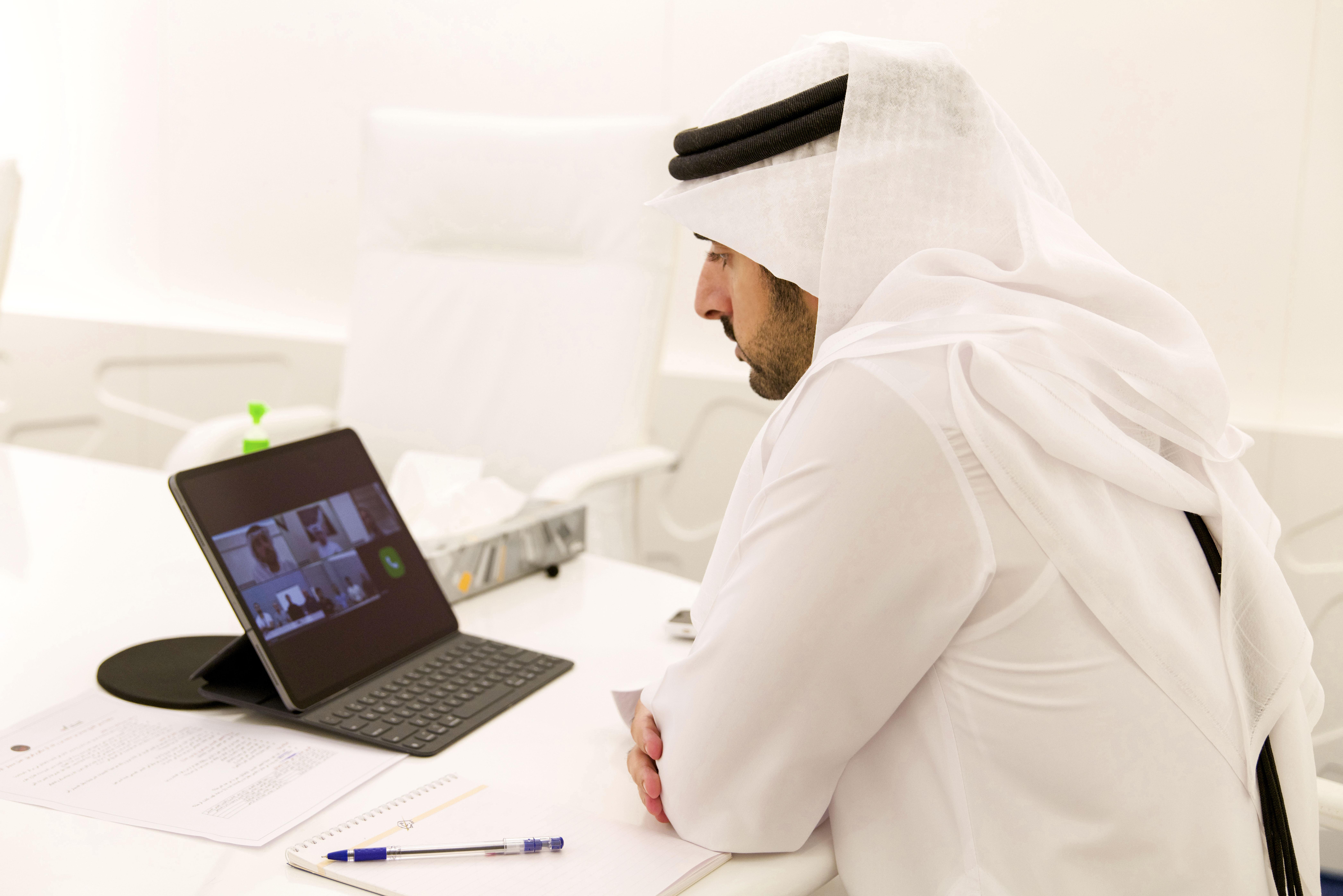 """حمدان بن محمد يطلع على آخر مستجدات تجهيز """"مسبار الأمل"""" للانطلاق إلى الفضاء"""