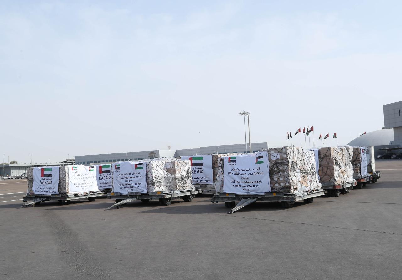 """الإمارات ترسل 14 طنا من المساعدات الطبية إلى الأراضي الفلسطينية لتعزيز جهود مكافحة """"كورونا"""""""