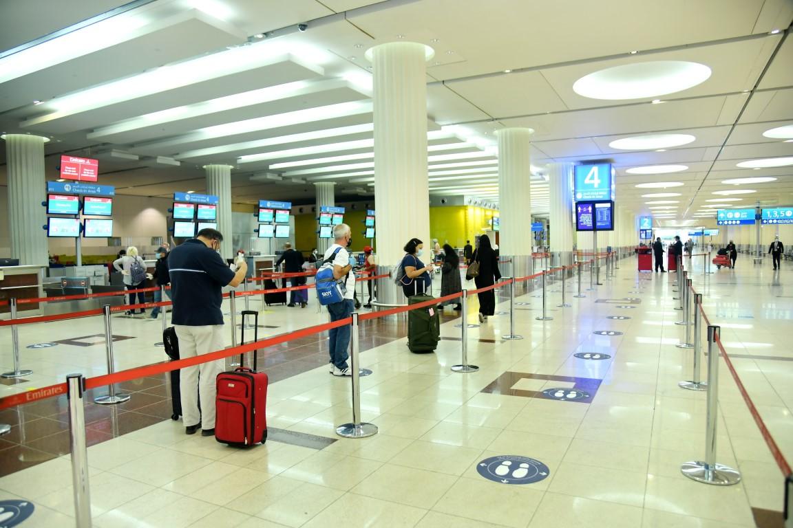 مطارات دبي تتخذ الإجراءات المناسبة وتبحث خطط التعافي بعد كوفيد 19