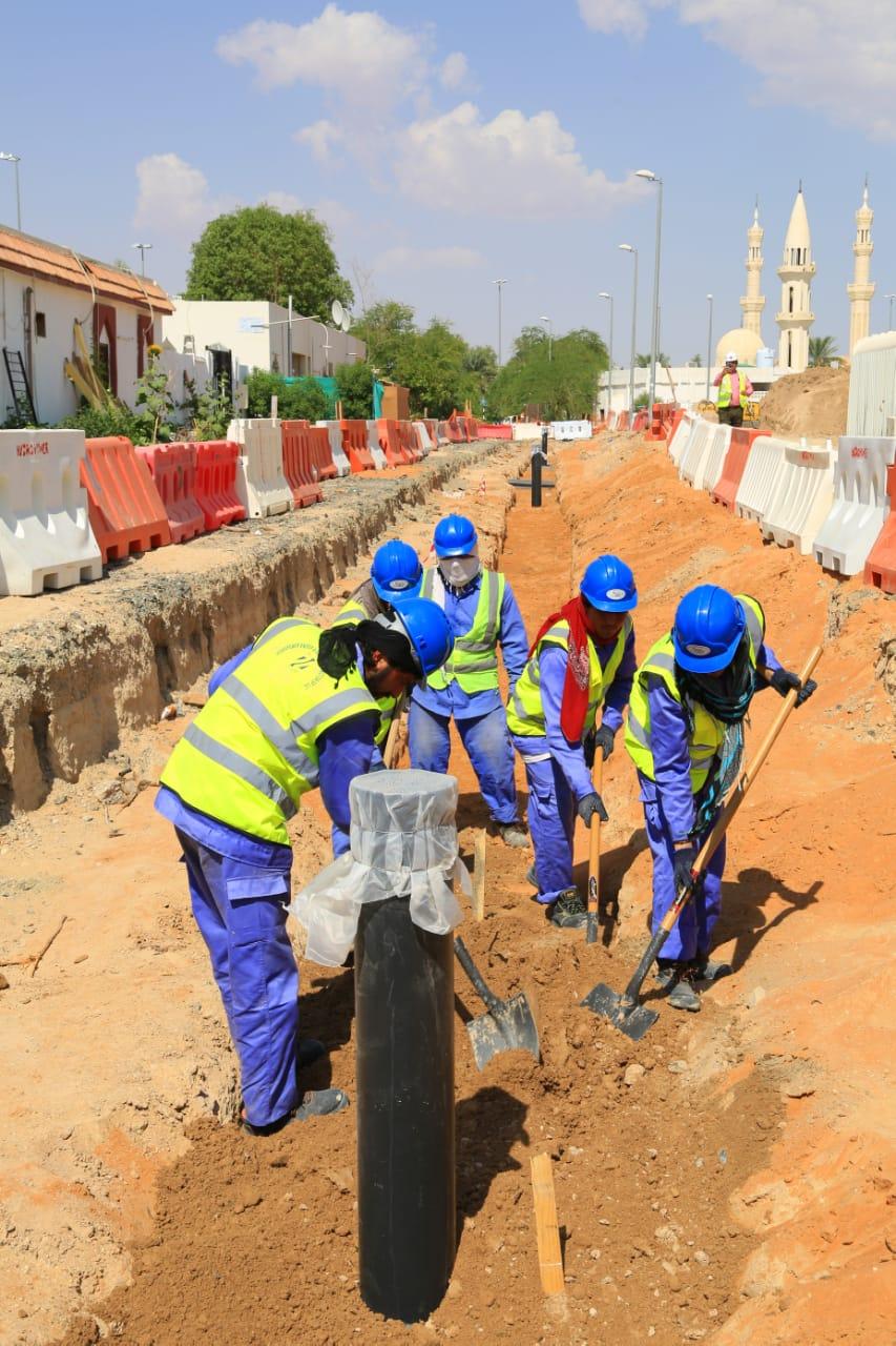 بلدية العين تنجز 35 % من مشروع البنية التحتية في الشعبيات القديمة