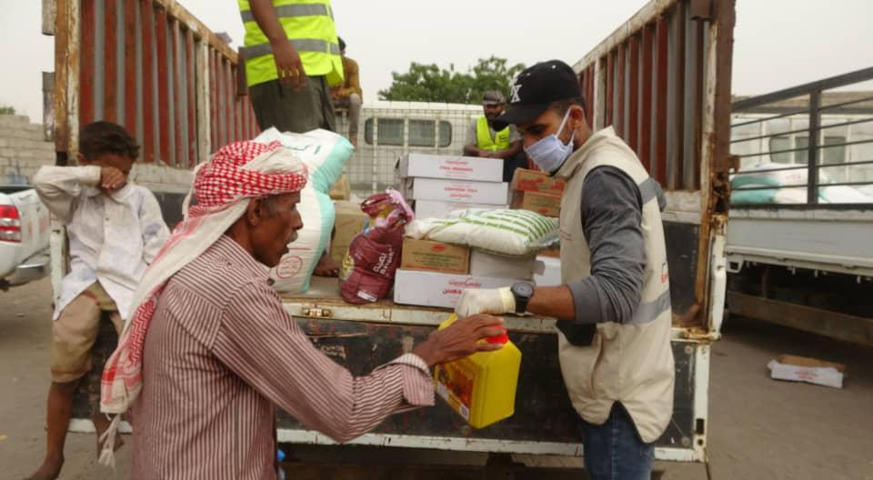 الإمارات تدعم 28 ألف صياد بالساحل الغربي لليمن