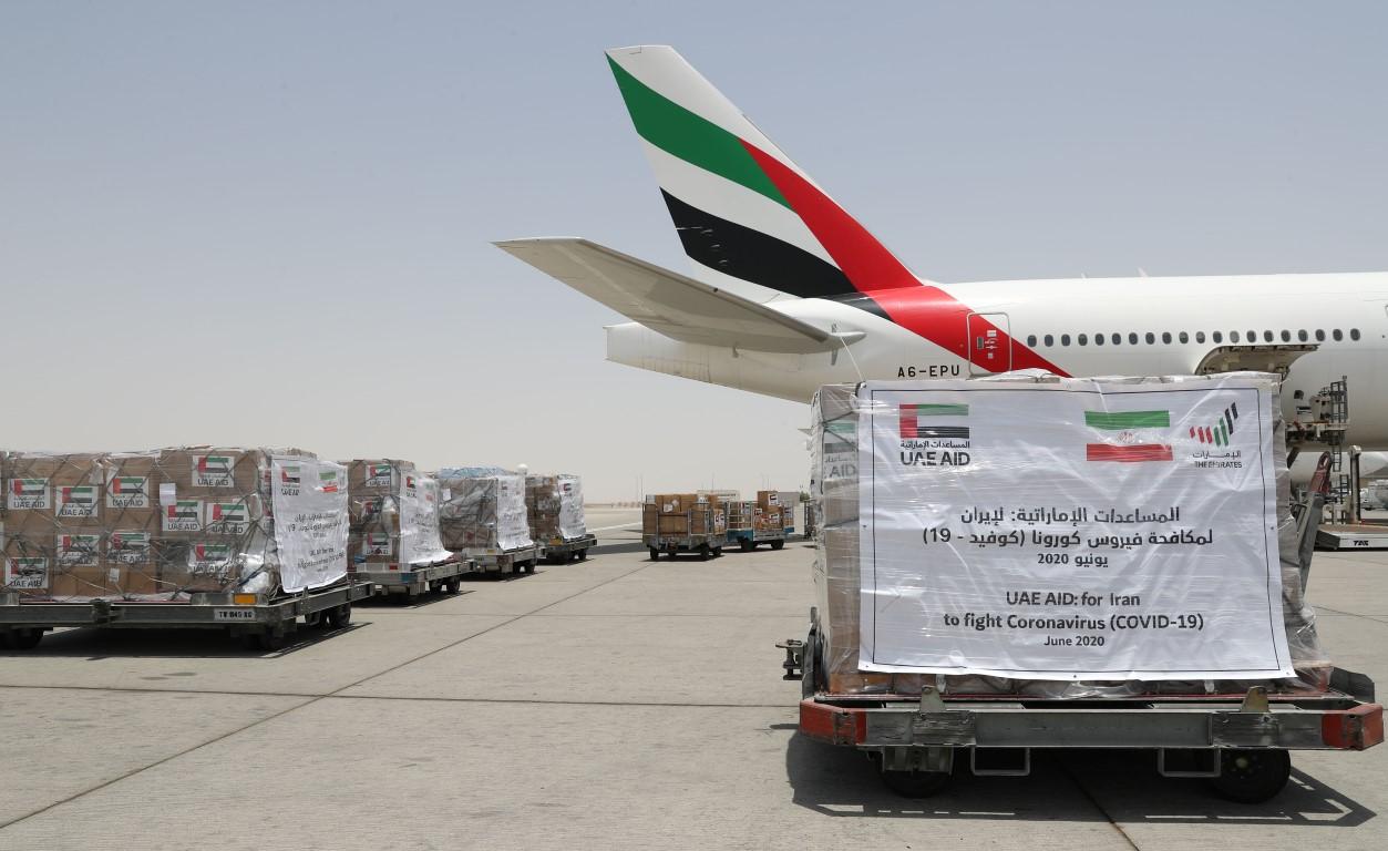 """الإمارات ترسل طائرة مساعدات إضافية إلى إيران لتعزيز جهودها في مكافحة انتشار """" كوفيد-19 """""""
