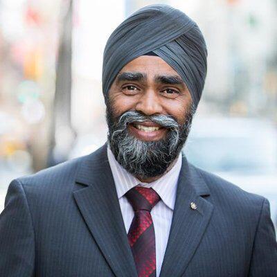 البواردي ووزير الدفاع الكندي يبحثان هاتفيا التعاون المشترك