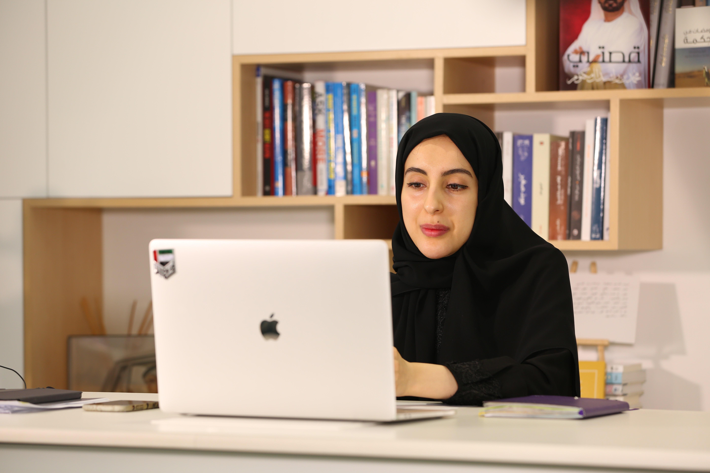"""نهيان بن مبارك يطلق مسابقة """"#غرد_للتسامح"""" بثلاث لغات لشباب الوطن العربي"""