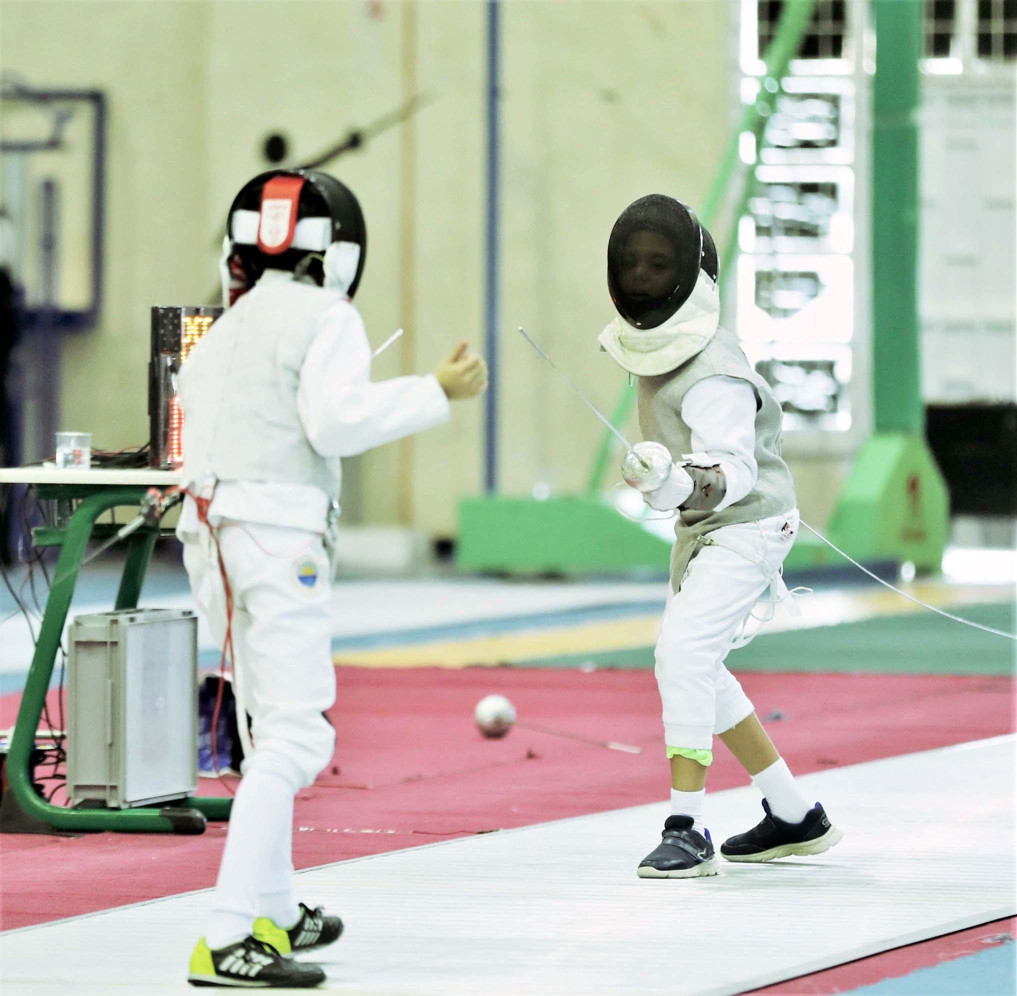 """""""المبارزة"""" ينظم معسكرا افتراضيا للاعبي الأولمبياد المدرسي ودورة تأهيل لمدرسي التربية الرياضية"""