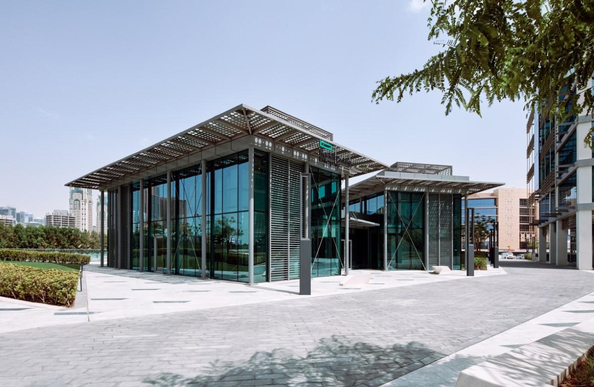 مكتوم بن محمد: رؤية محمد بن راشد الاستشرافية عززت جاذبية دبي كمركز لصناعة المستقبل
