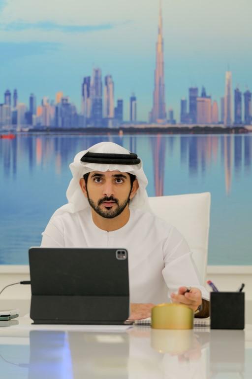 حمدان بن محمد : حماية حدود فضائنا الإلكتروني لا تقل أهمية عن حماية حدودنا البرية والبحرية
