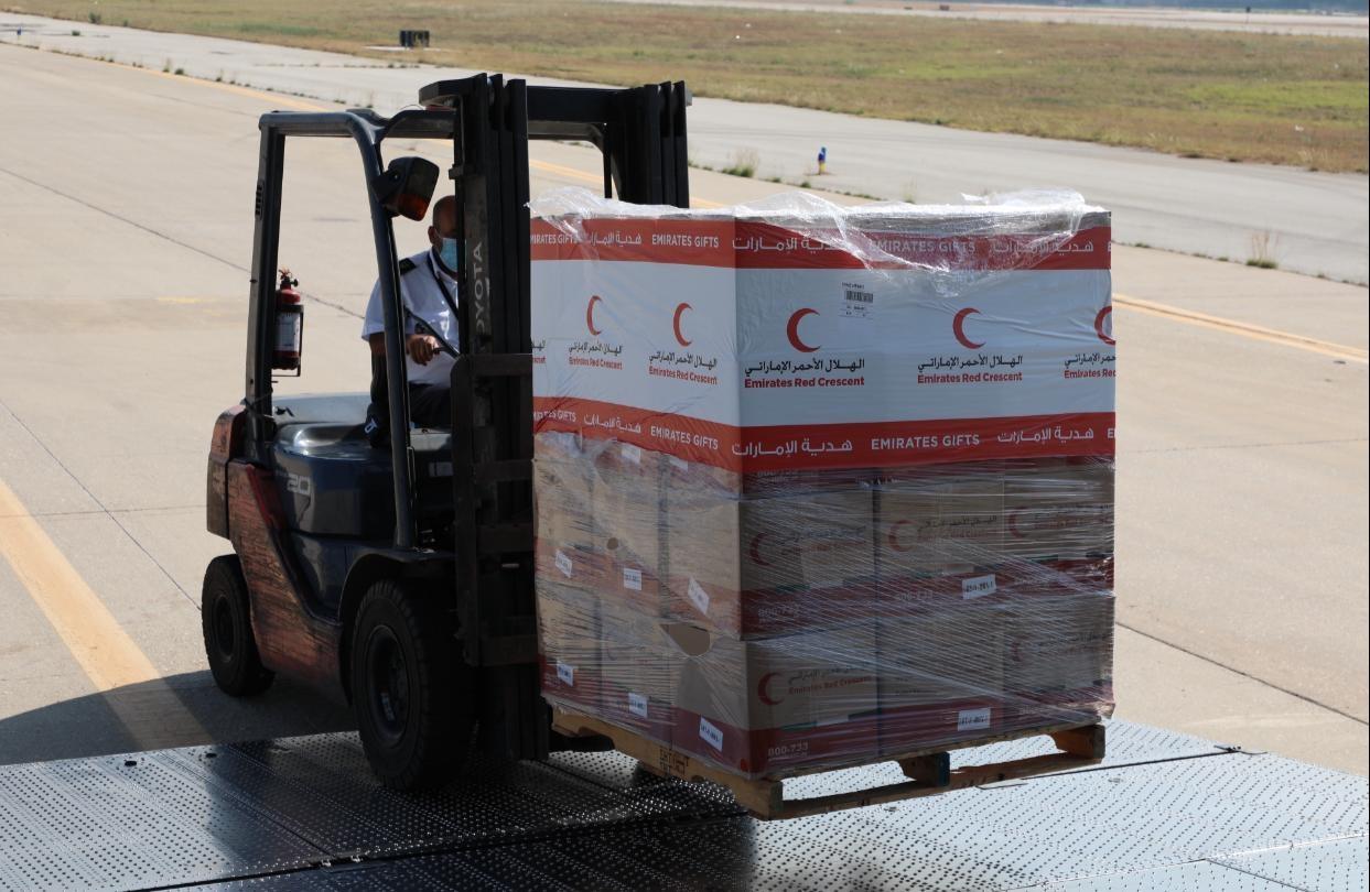 بتوجيهات الشيخة فاطمة ومتابعة حمدان بن زايد .. وصول طائرة مساعدات إماراتية إلى لبنان