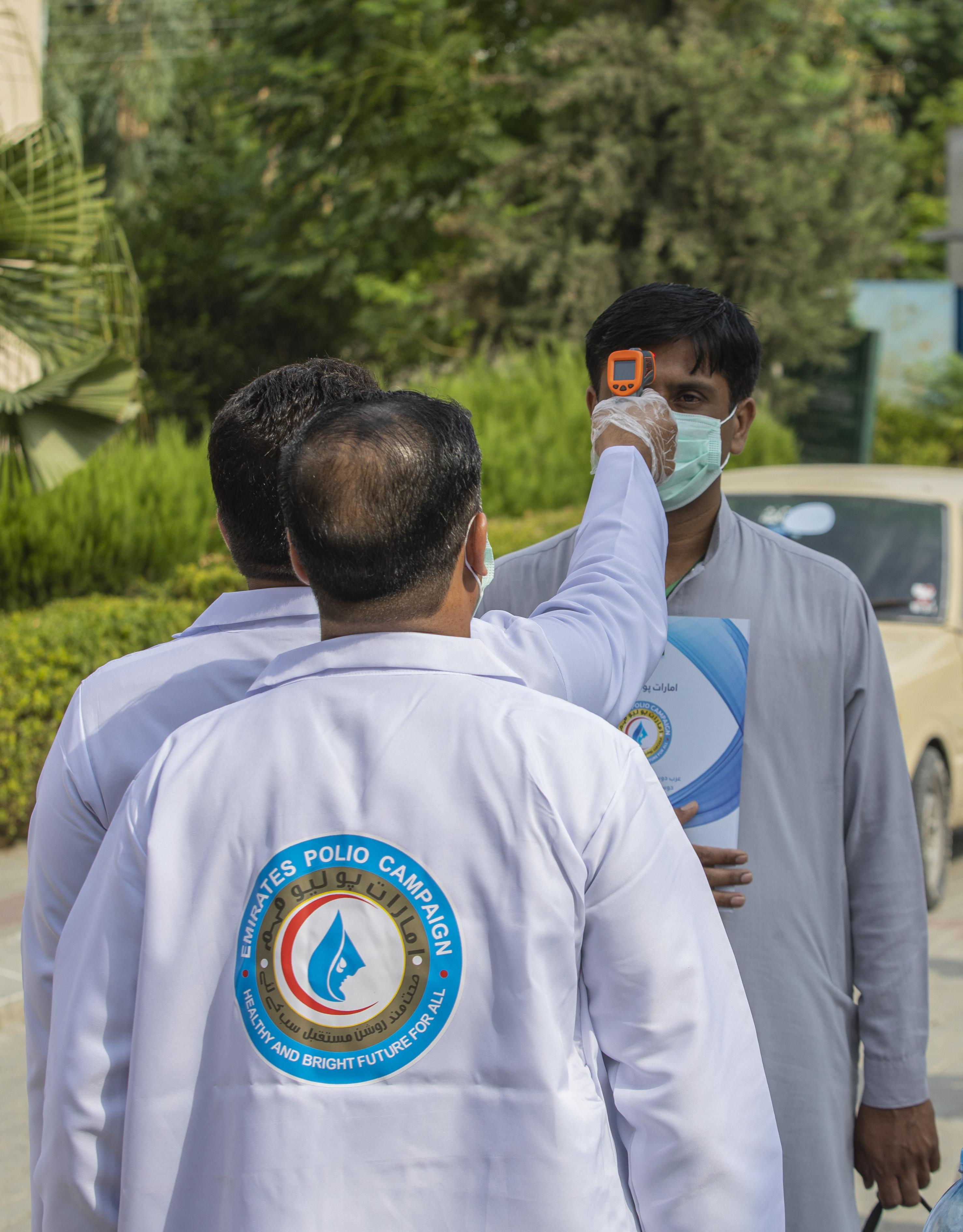 """ضمن مبادرة محمد بن زايد .. تنفيذ أول حملة على مستوى العالم لتطعيم الأطفال ضد شلل الأطفال في ظل """"كورونا"""""""