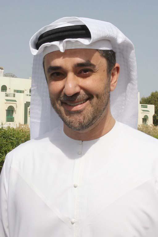 """عمر غباش ضيف """" الشارقة للكتاب"""" في ثالث جلسات """"نادي القراء"""""""