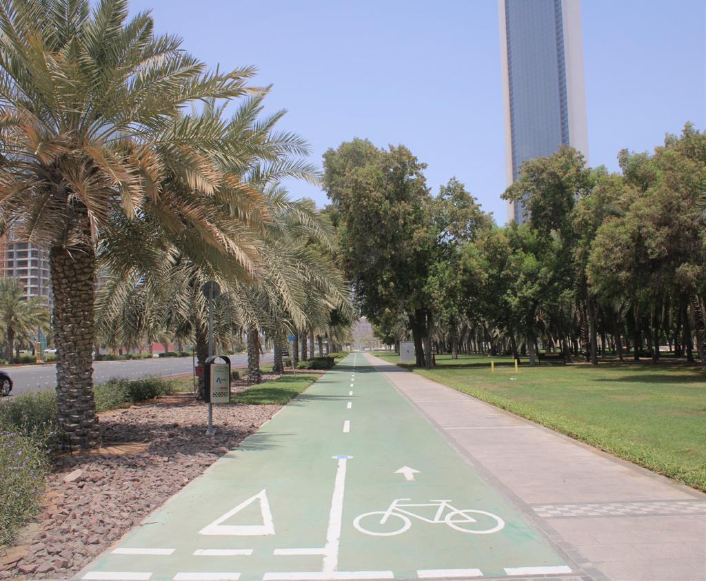 إنشاء و تطوير ممرات مشاة رياضية في جزيرة أبوظبي و البر الرئيسي بتكلفة 106 ملايين درهم
