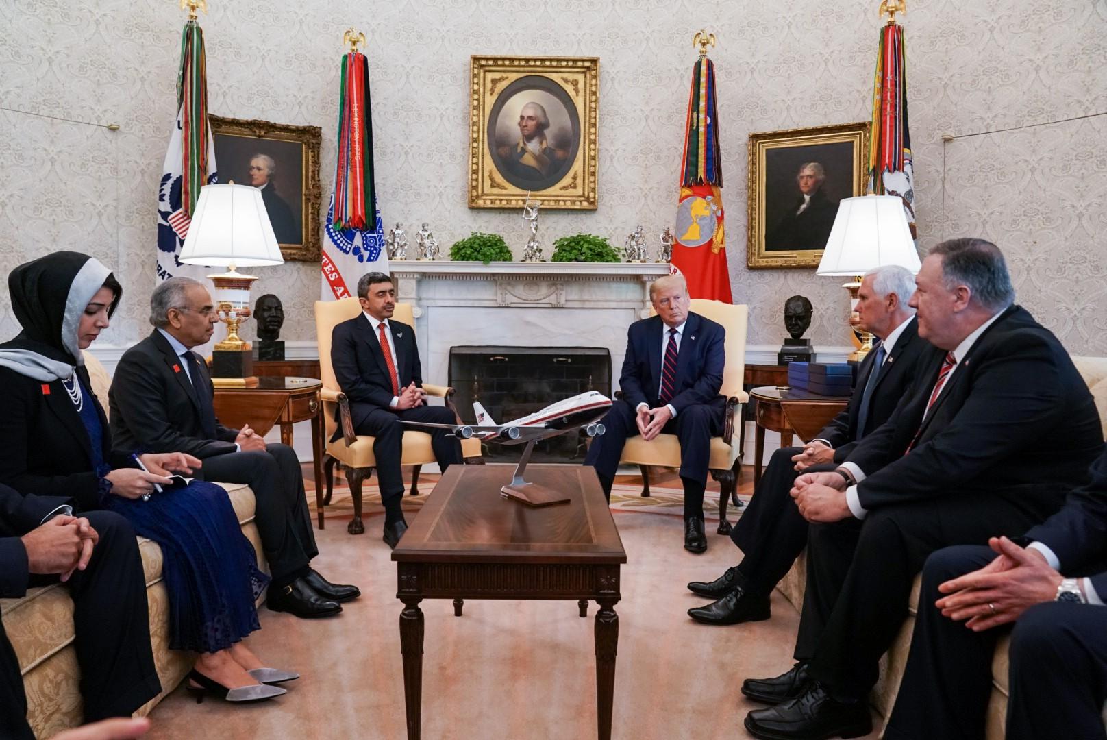 ترامب يستقبل عبدالله بن زايد في البيت الأبيض