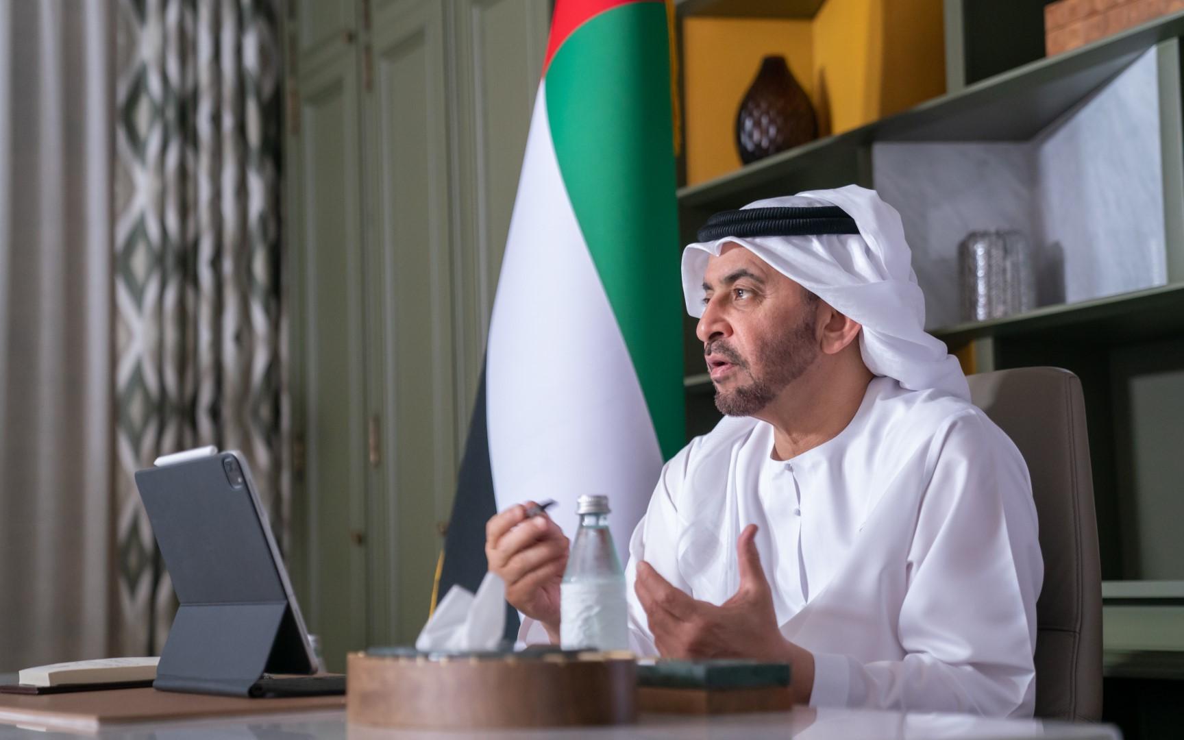 """حمدان بن زايد يطلع على عدد من برامج ومشاريع """"الهلال"""" بقيمة 766 مليون درهم داخل الدولة وخارجها"""