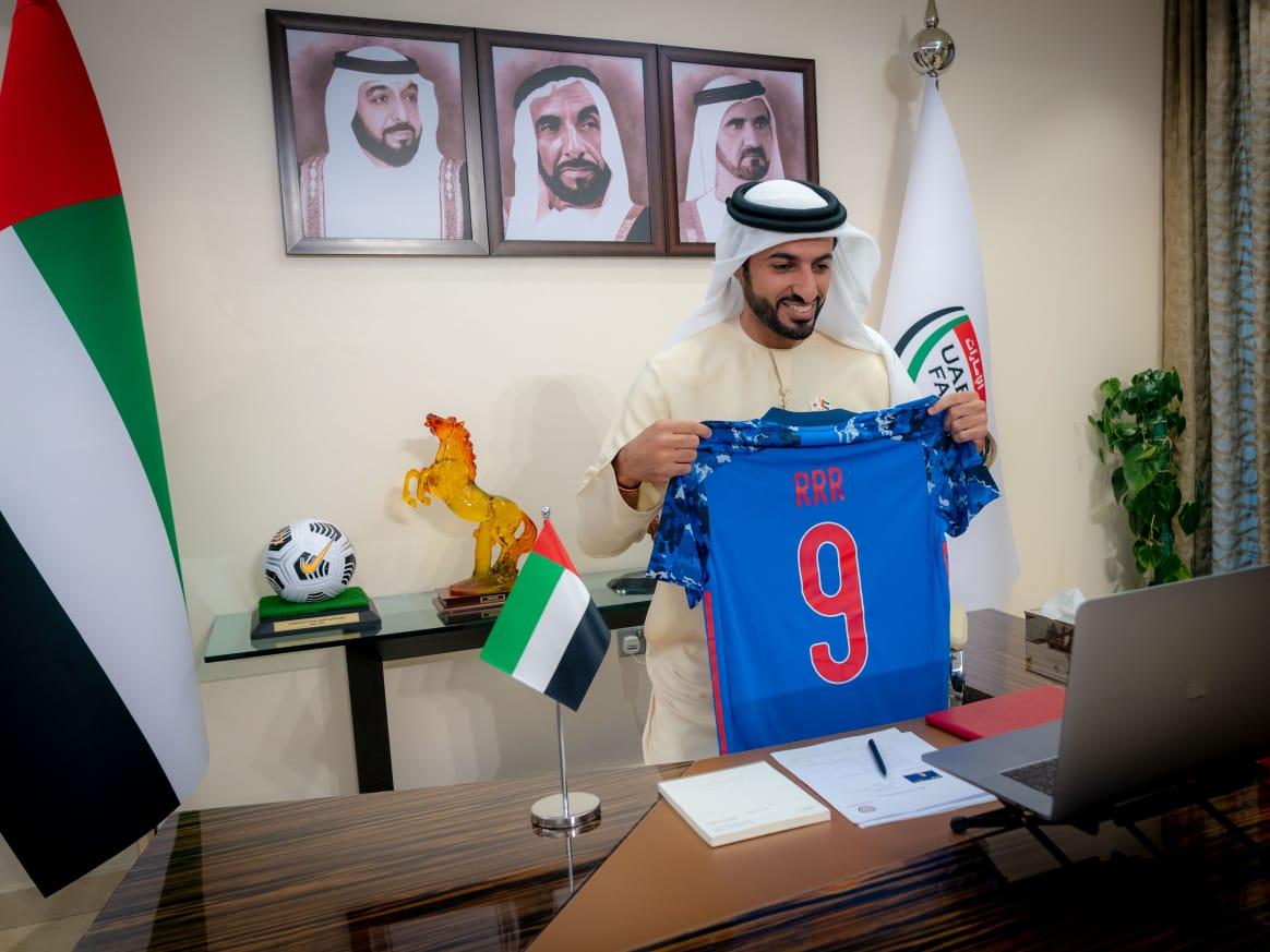راشد بن حميد و كوزو يجددان اتفاقية الشراكة بين الاتحادين الإماراتي والياباني لكرة القدم