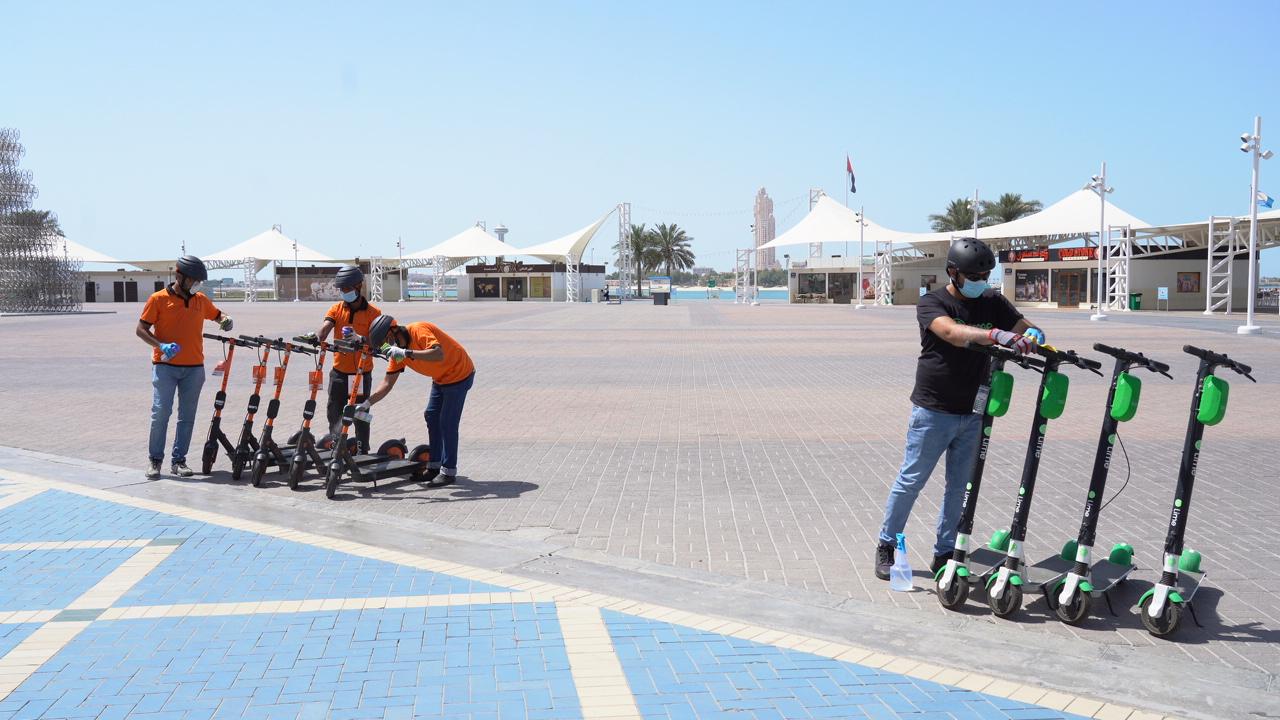 """""""النقل المتكامل"""" يسمح باستئناف خدمة تأجير الدراجات الكهربائية في أبوظبي"""