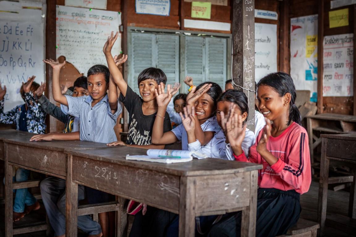 """مبادرة """"20 في 2020"""" الإماراتية توفر حلولا لتنقية المياه وتحسين حياة سكان القرى في كمبوديا"""