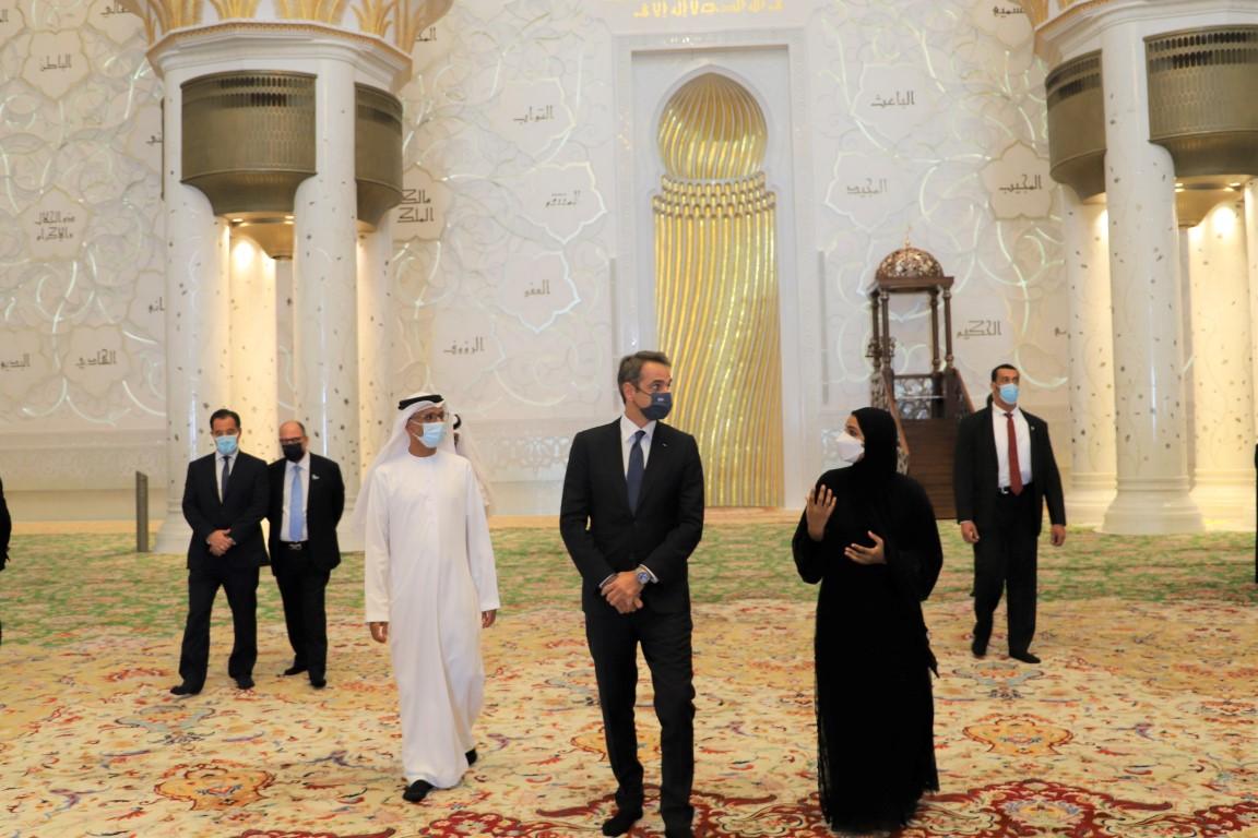 رئيس وزراء اليونان يزور جامع الشيخ زايد الكبير في أبوظبي
