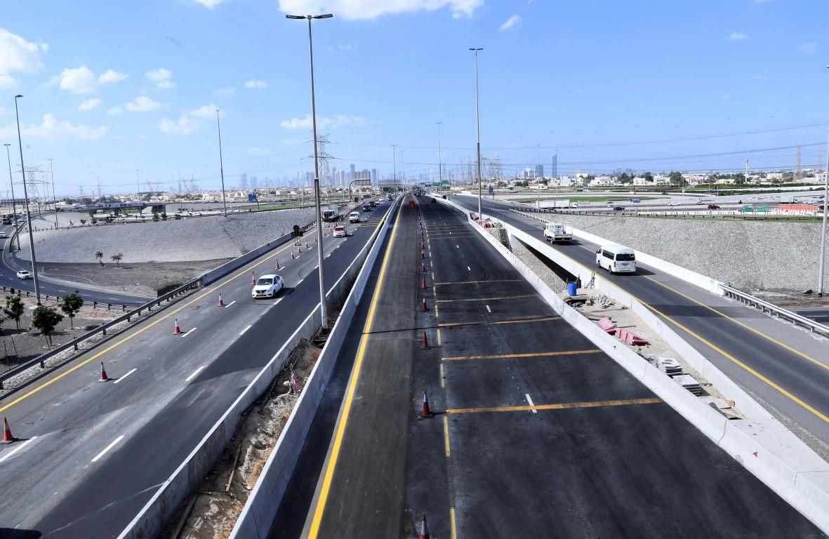 افتتاح توسعة الطرق والجسور على تقاطع شارعي الشيخ محمد بن زايد والرباط