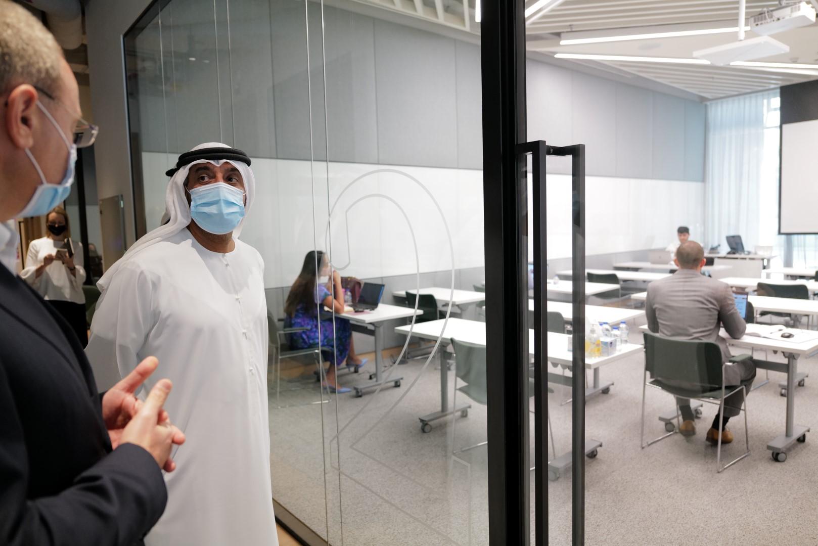 أحمد بن سعيد يفتتح المبنى الجديد لشركة بي دبليو سي الشرق الأوسط في دبي