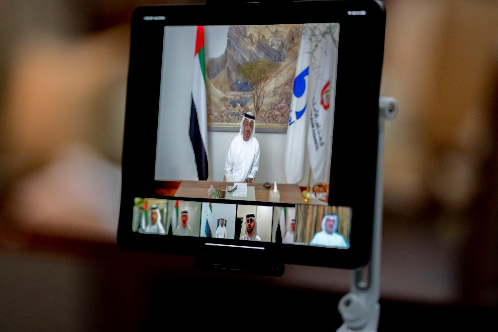 برئاسة محمد بن زايد..المجلس الأعلى للبترول يعلن اكتشاف 2 مليار برميل من النفط الخام التقليدي و22 مليار برميل من موارد النفط غير التقليدية القابلة للاستخلاص