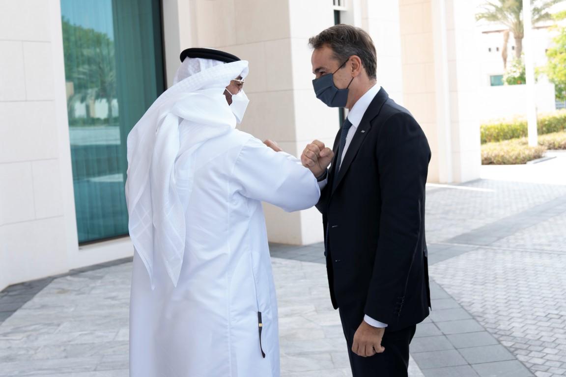 محمد بن زايد يستقبل رئيس وزراء اليونان